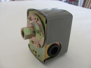 DR206   FlowTronic / elektronischer Druckschalter mit 3  Wegeverteiler 1